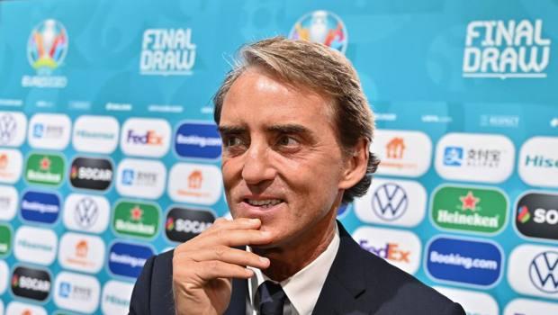 Mancini a Bucarest dopo i sorteggi di Euro 2020 AFP