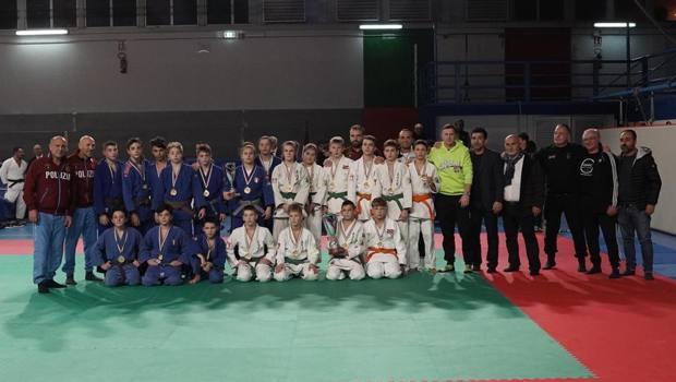 Gli atleti lettoni e napoletani insieme al PalaVesuvio per la prima edizione della Napoli's Cup
