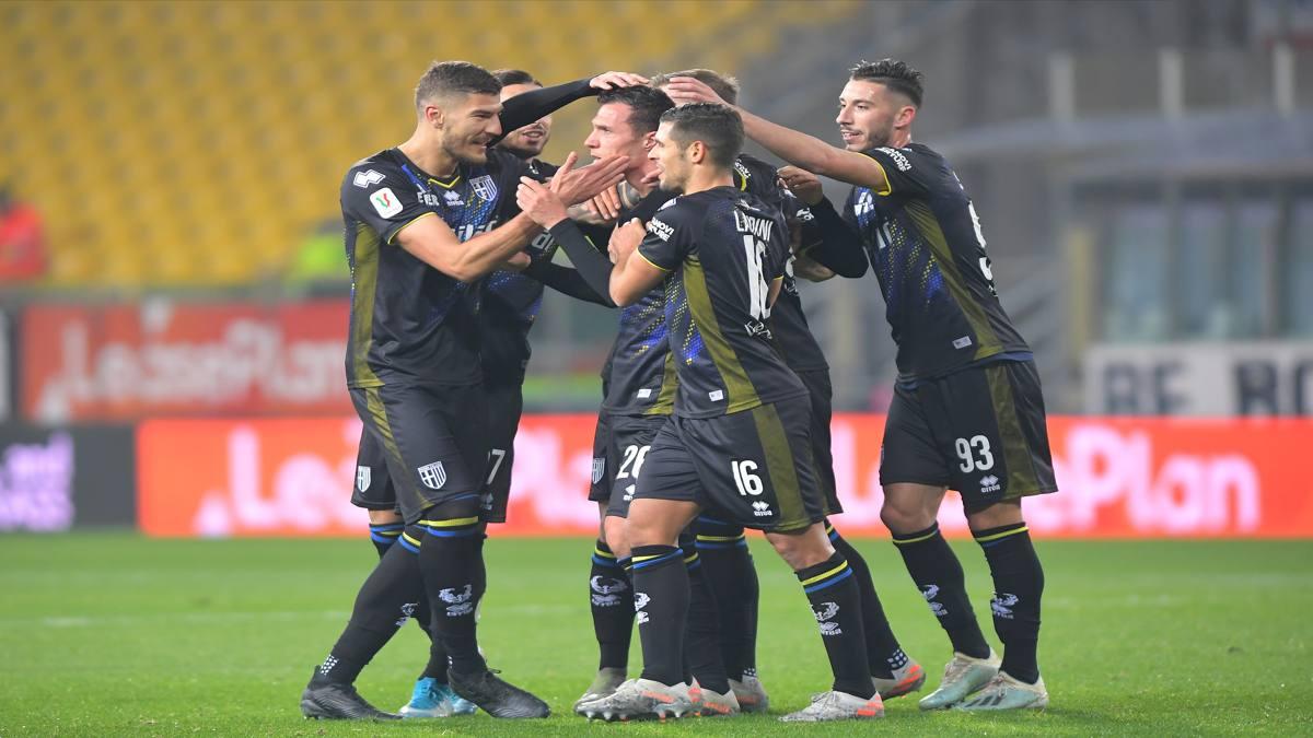 Il Parma soffre, poi esulta al 92': Frosinone eliminato, agli ottavi c'è ...