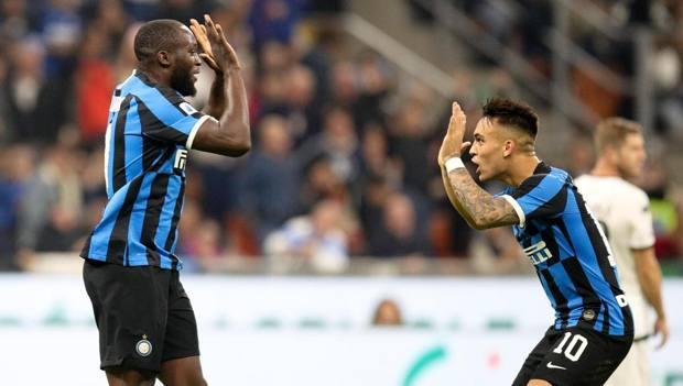CHAMPIONS, L'Inter perde 2-1 con il Barça e va in EL