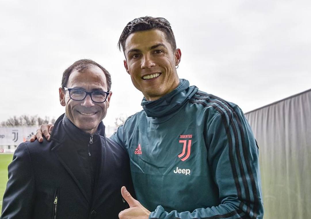 Davide Cassani con Cristiano Ronaldo. Getty