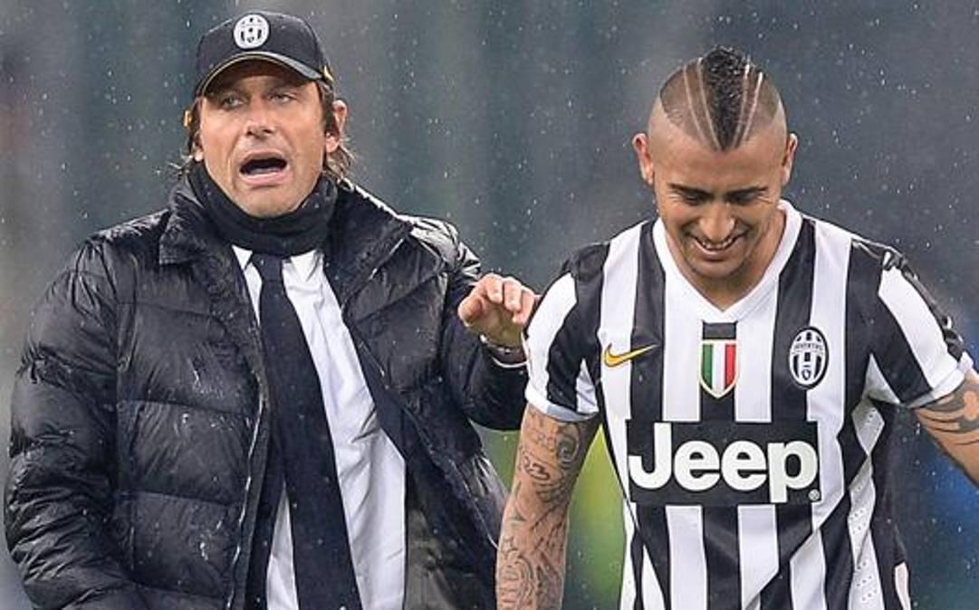 Antonio Conte (50 anni) e Arturo Vidal (32) ai tempi della Juve. ANSA