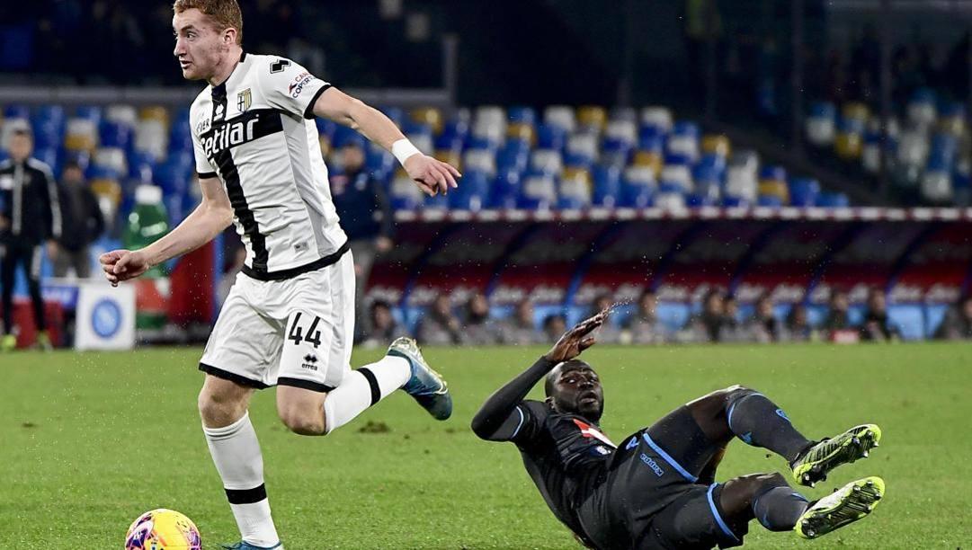 Dejan Kulusevski in azione con la maglia del Parma