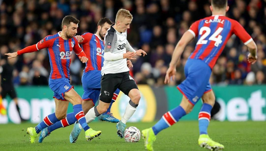 Una fase di gioco di Crystal Palace-Derby County