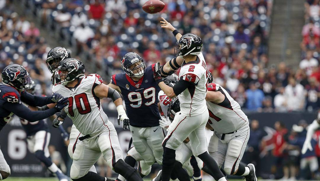 JJ Watt, 30 anni, defensive end degli Houston Texans. Afp