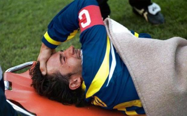Del Piero si dispera dopo l'infortunio dell'8 novembre 1998. Aldo Liverani