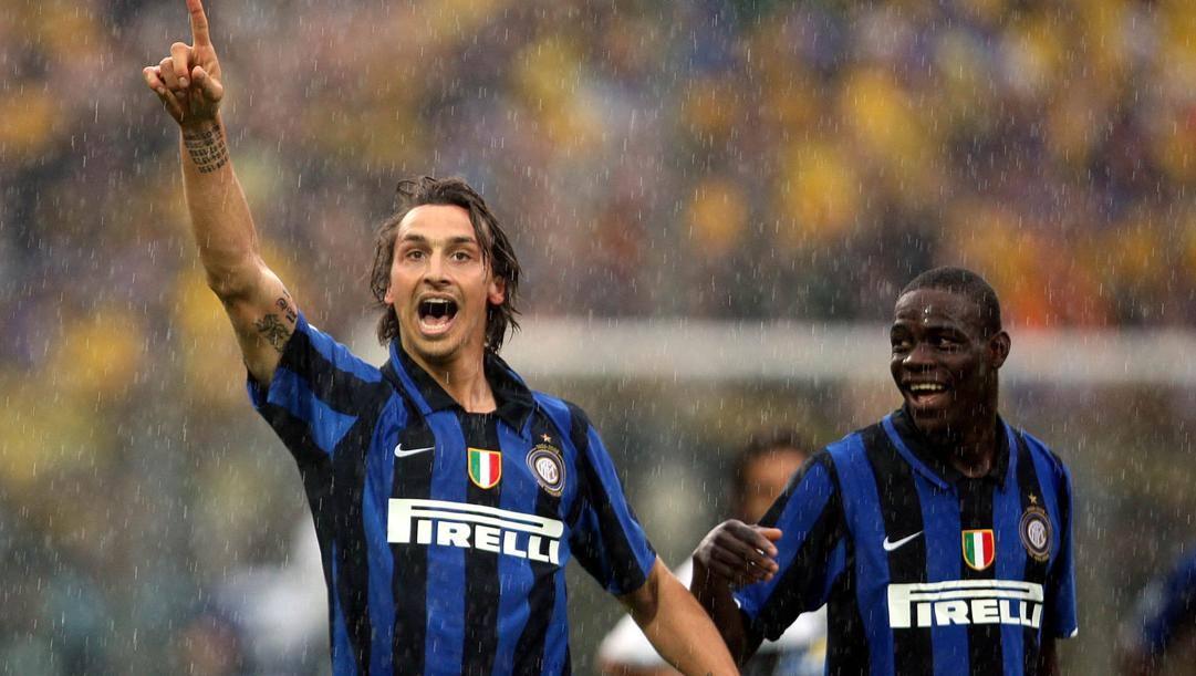 Zlatan Ibrahimovic e Mario Balotelli, compagni di squadra all'Inter dal 2007 al 2009. Pegaso News