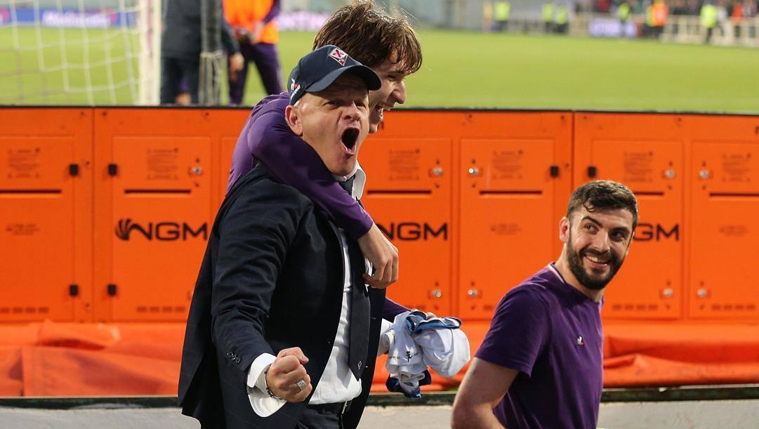 Beppe Iachini abbracciato da Federico Chiesa. Getty
