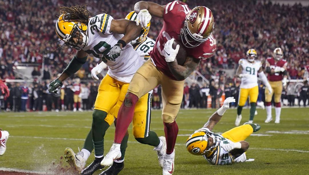 Raheem Mostert, 27 anni, in touchdown contro i Packers. Ap