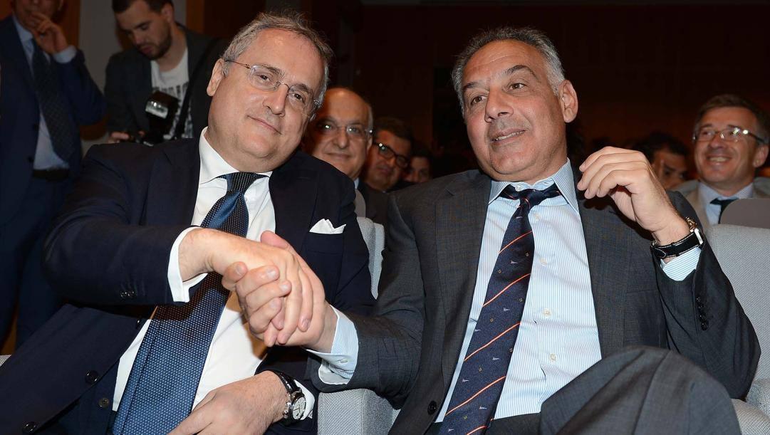 Il presidente della Lazio Claudio Lotito, 62 anni, e quello giallorosso James Pallotta, 61. Bozzani