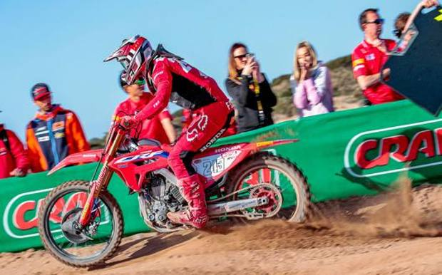 Tim Gajser in azione sulla sua Honda