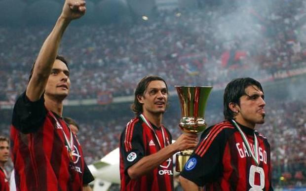 Inzaghi, Maldini e Gattuso con l'ultima Coppa Italia vinta dal Milan, nel 2003. Ap