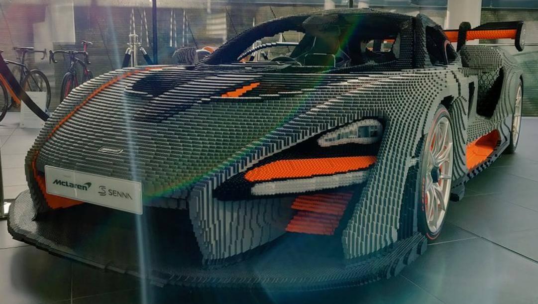 La McLaren Senna realizzata con i mattoncini Lego
