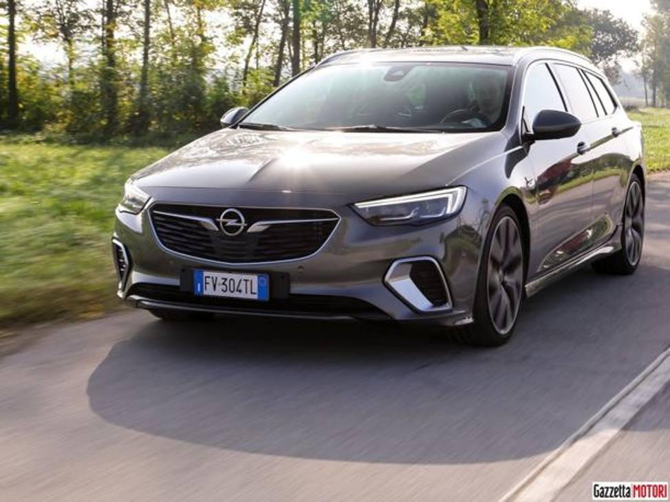 Opel Insignia Sports Tourer Gsi - La Prova