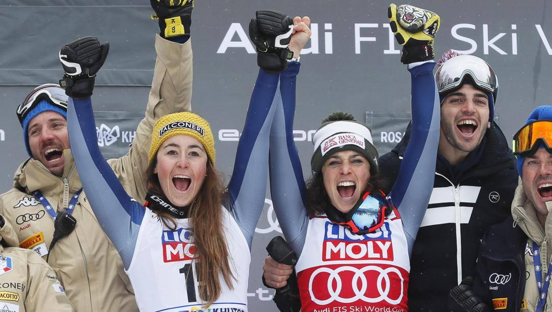 Sofia Goggia e Federica Brignone festeggiano