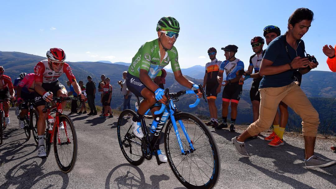 Nairo Quintana in salita. Il campione colombiano oggi compie 30 anni.