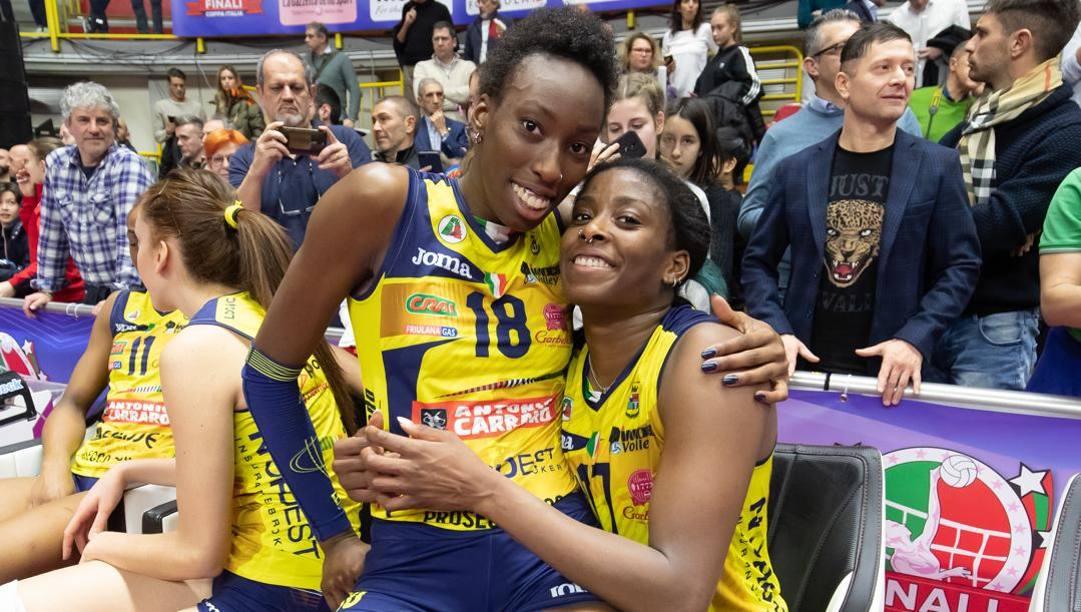 Paola Egonu, 21 anni, e Miriam Sylla, 25, compagne di squadra a Conegliano. LVF