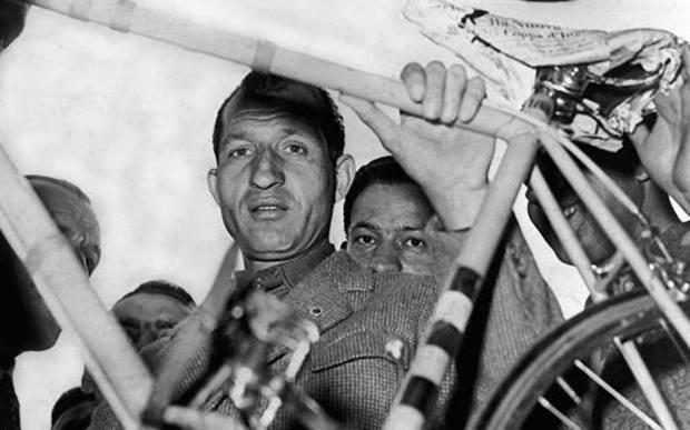 Gino Bartali, Giusto tra i Giusti, ha vinto 3 Giri e 2 Tour: è morto a 85 anni nel 2000