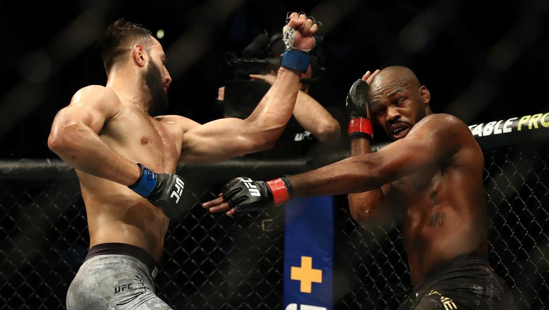 R) Dominick Reyes and Jon Jones. Afp
