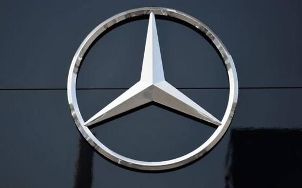 Attesa allo stand Mercedes per il Suv compatto elettrico Eqa