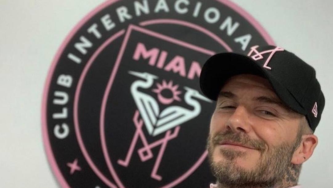 David Beckham, 44 anni, col logo dell'Inter Miami di cui è presidente