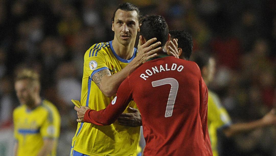 Zlatan Ibrahimovic e Cristiano Ronaldo in uno Svezia-Portogallo di qualche anno fa. Afp
