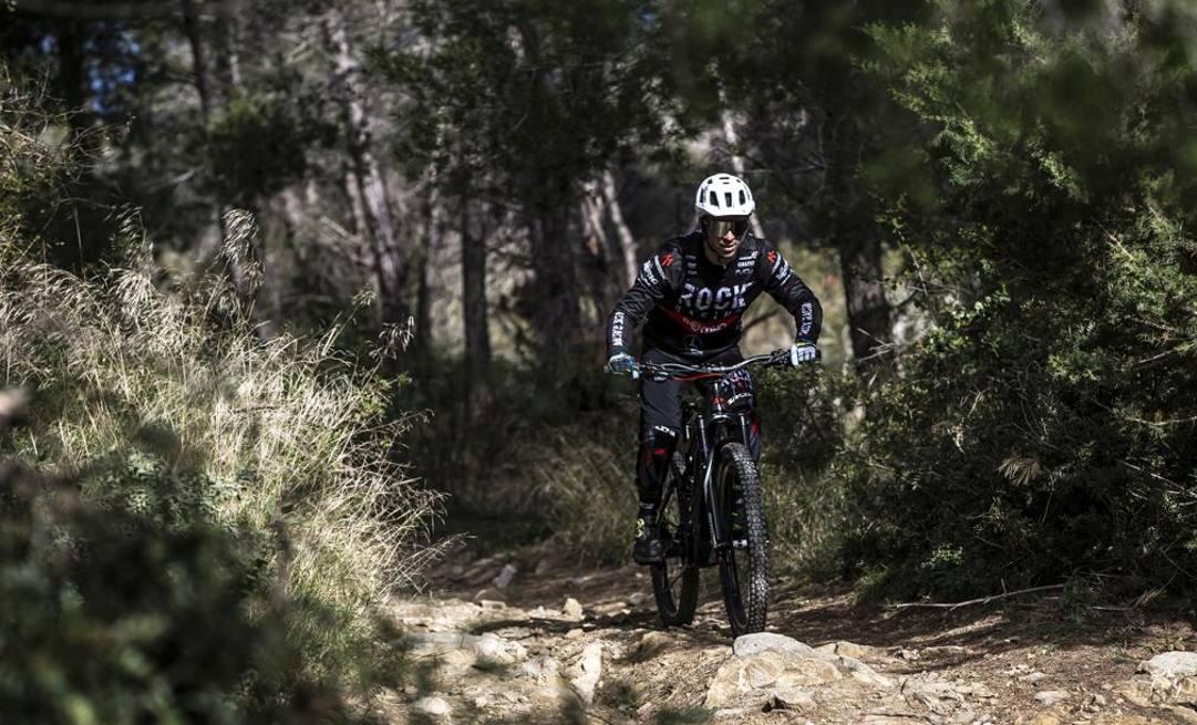 Marco Melandri, 37 anni, in azione sulla Thok Bike. foto Morello