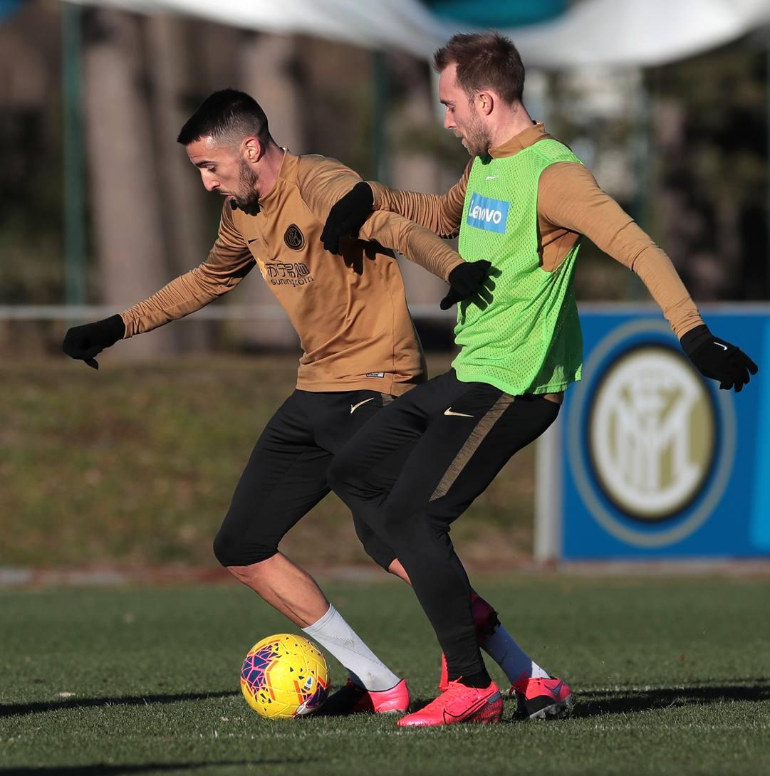 Matias Vecino, 28 anni, e Christian Eriksen, 28. Getty