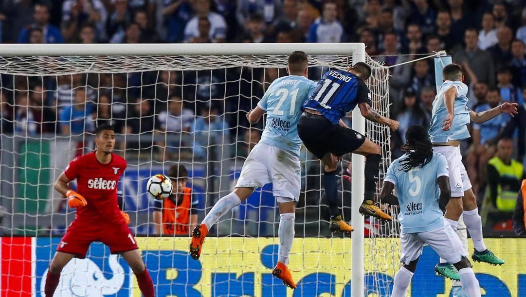 Il gol di Vecino che regala la Champions all'Inter togliendola alla Lazio all'ultimo turno della Serie A 2017-18. Lapresse
