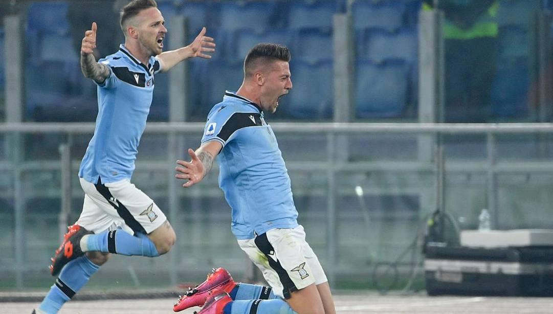 La gioia di Sergej Milinkovic-Savic, 24 anni, dopo il gol del 2-1. Afp