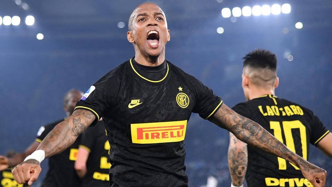 L'esultanza di Young dopo il gol alla Lazio. Lapresse