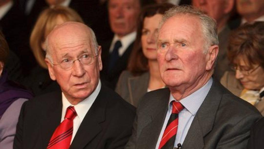 Harry Gregg, a destra, con Bobby Charlton