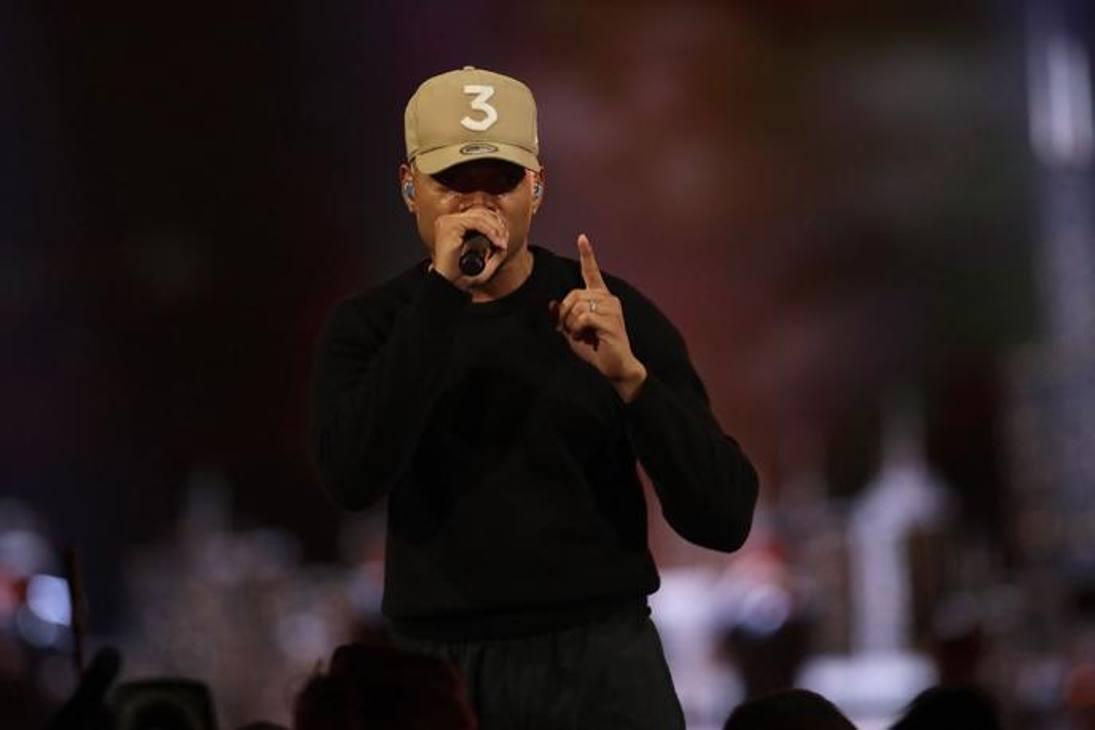 Il rapper Chance canta nell'intervallo dell'All Star Game