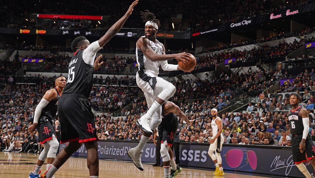 DeMarre Carroll, 33 anni, in maglia Spurs contro Houston. Afp
