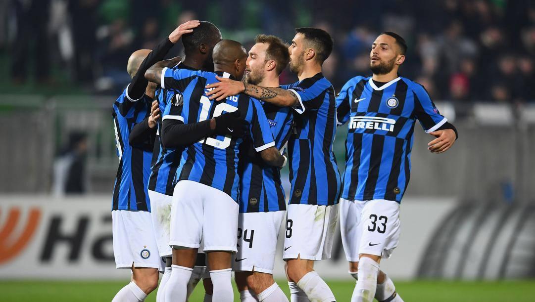 L'Inter festeggia il gol del 2-0. Getty