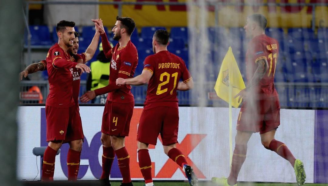 La Roma festeggia il gol-partita. Getty