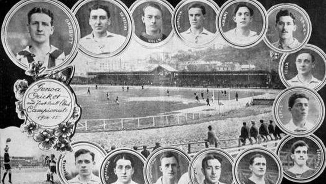 Il Genoa 1915 in una cartolina dell'epoca.