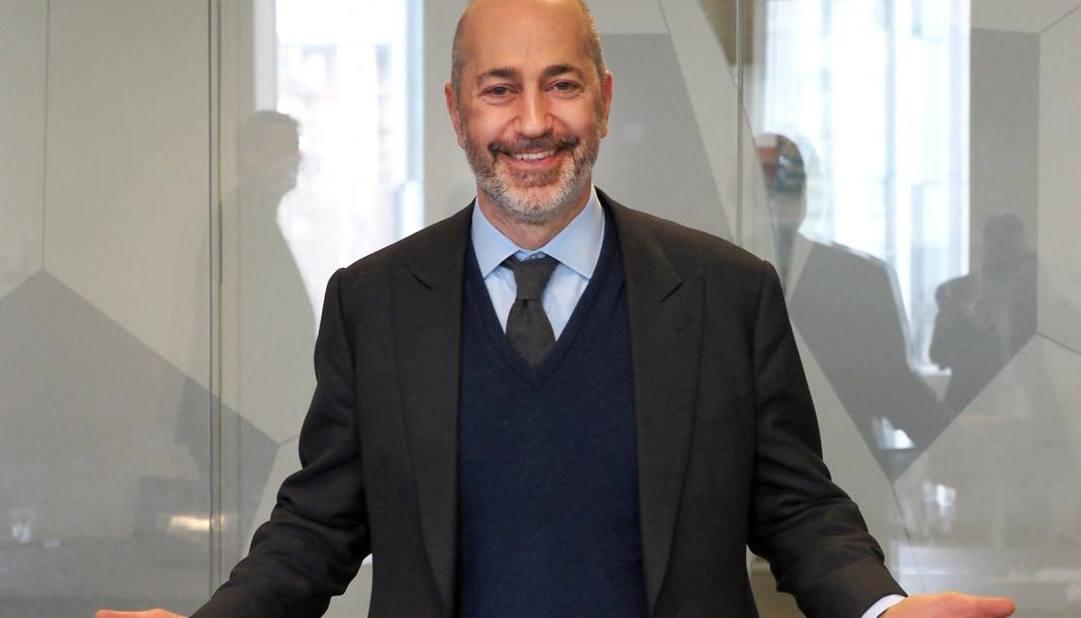 Ivan Gazidis è un dirigente sportivo sudafricano, di origini greche, amministratore delegato del Milan. Bozzani
