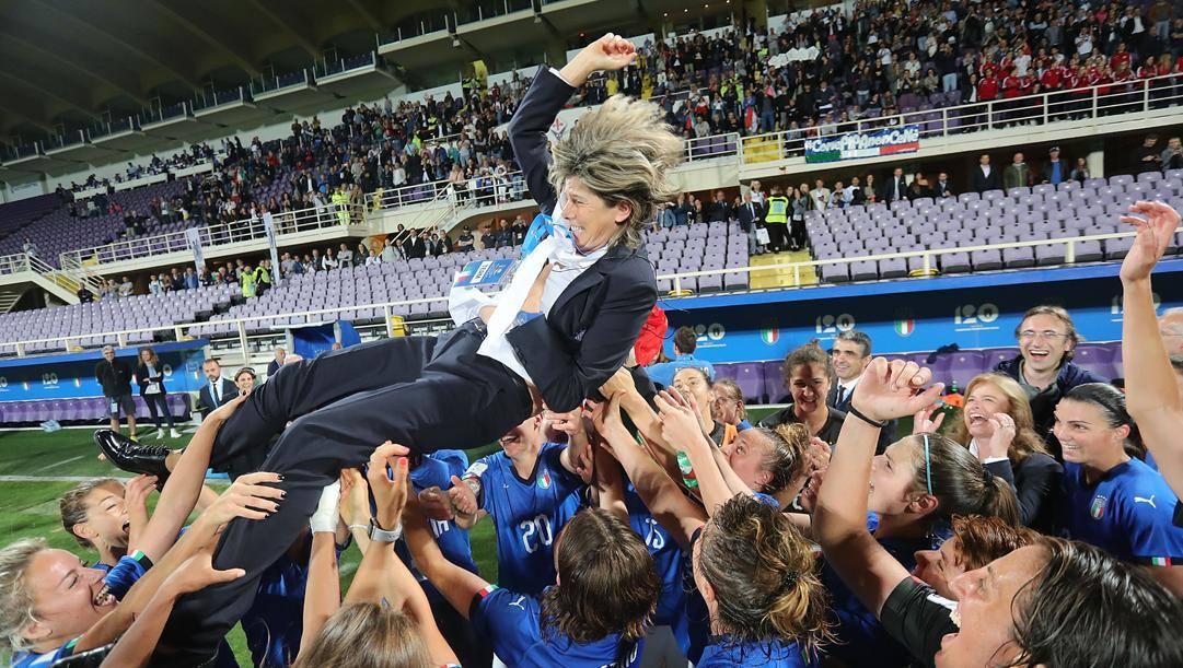 Milena Bertolini, 53 anni, portata in trionfo dalle azzurre al Mondiale di Francia GETTY IMAGES
