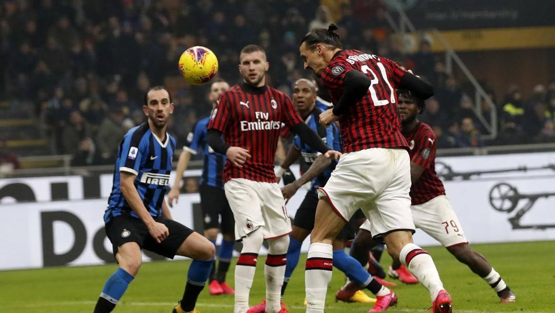 Ibrahimovic ha segnato uno dei due gol di testa stagionali del Milan. Ap