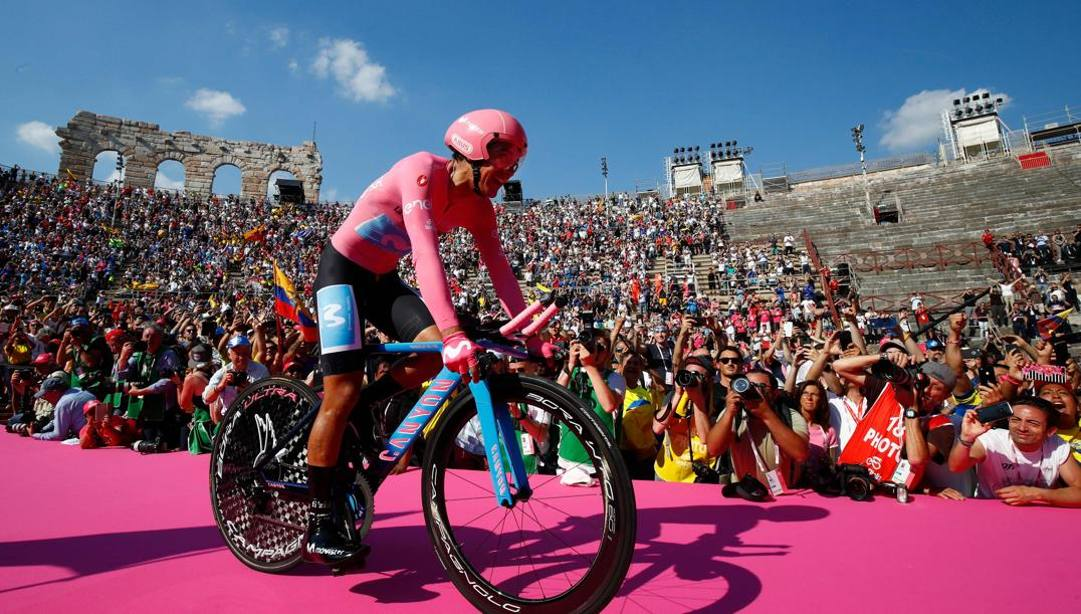 Richard Carapaz nell'ultima tappa del Giro 2019. Afp
