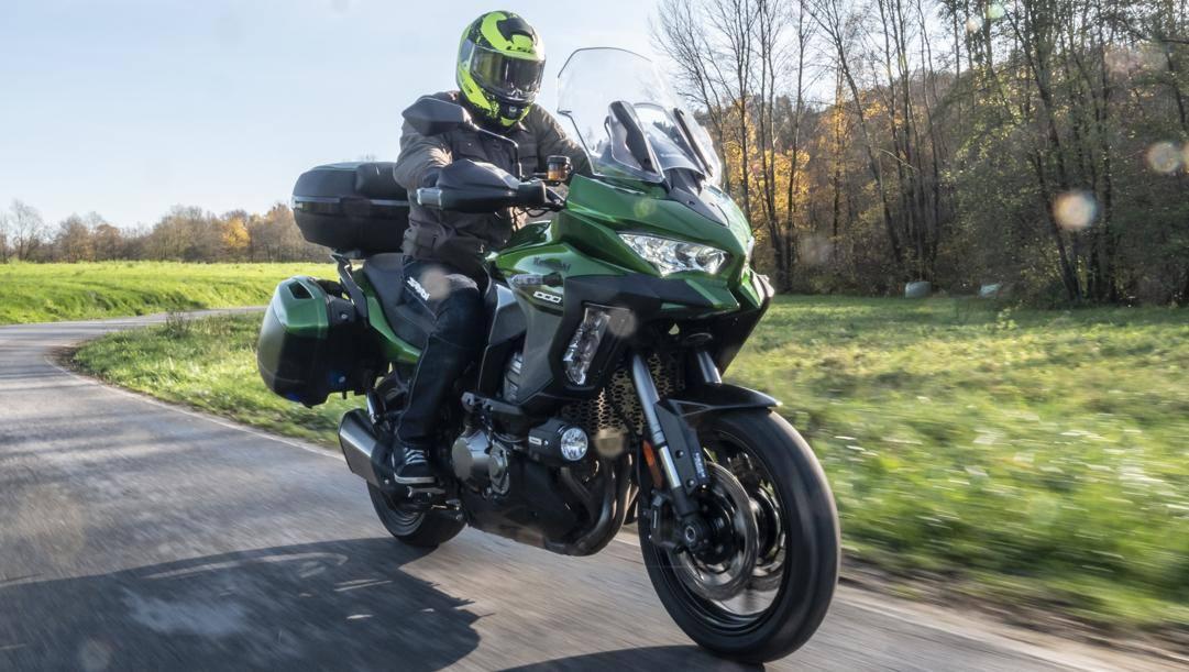 La nuova Kawasaki Versys 1000 Grand Tourer