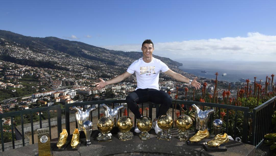 Cristiano Ronaldo e i suoi trofei a Madeira