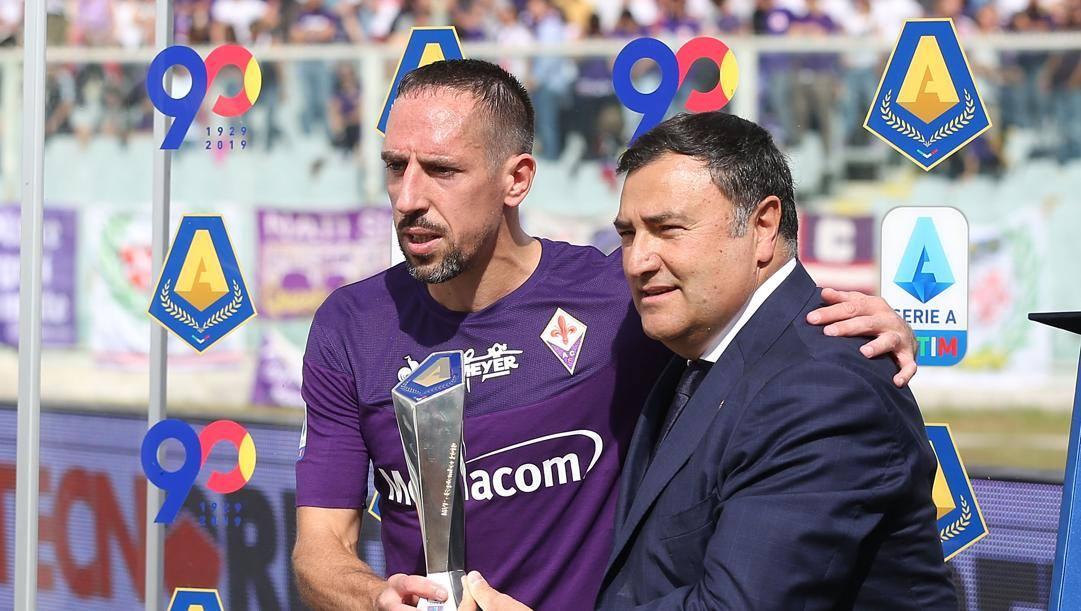 Il dg Joe Barone con Frank Ribery. Getty