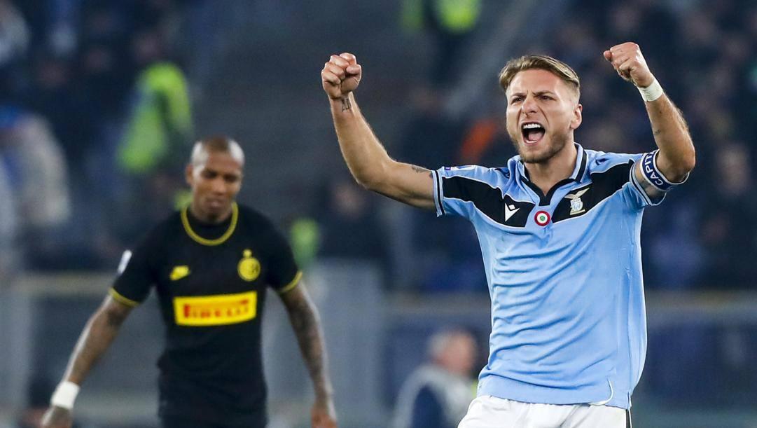 L'ultima esultanza all'Olimpico di Ciro Immobile, dopo il gol all'Inter. Ansa