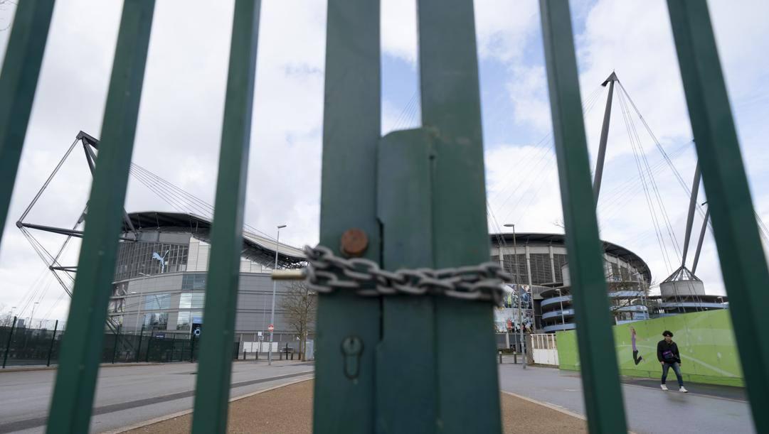 L'Etihad Stadium chiuso al pubblico. Ap
