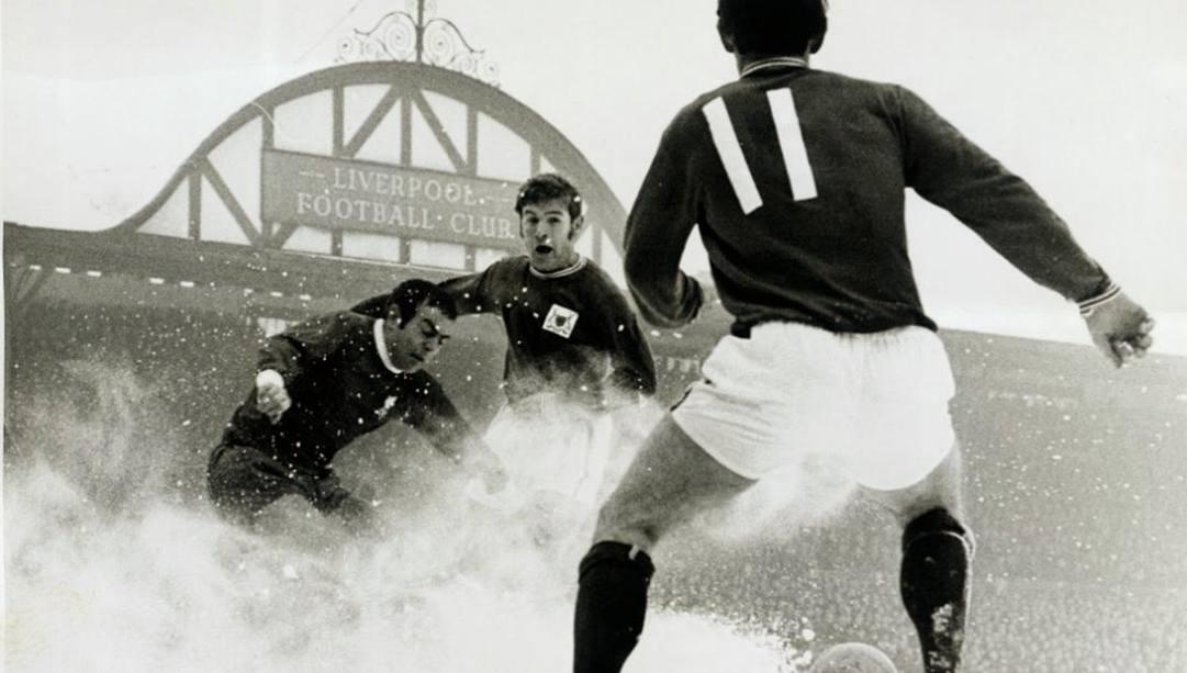 Sfida nella neve tra Liverpool e Nottingham Forest