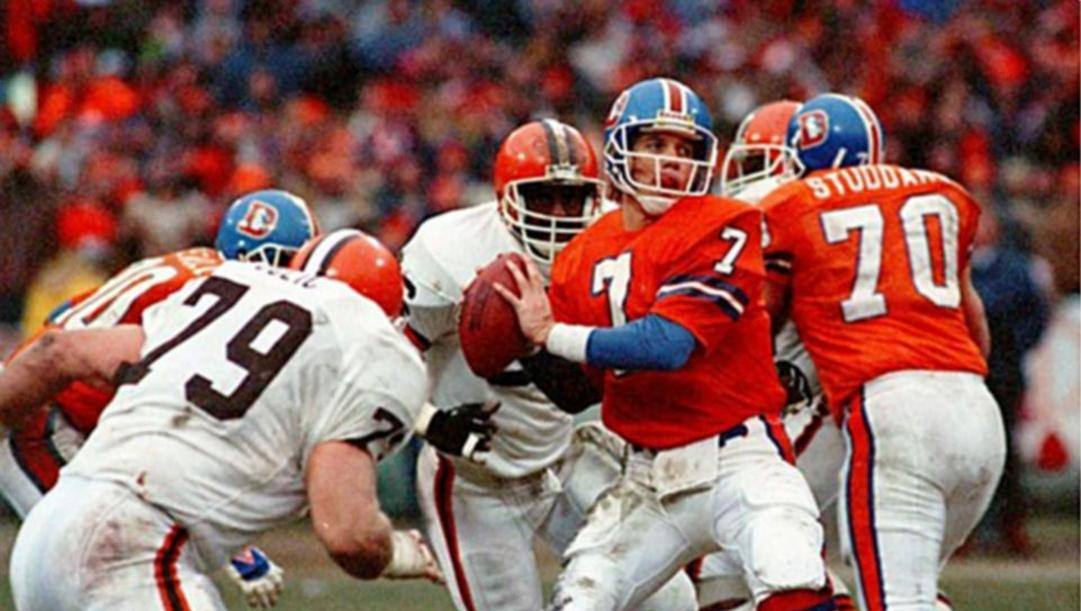 John Elway, quarterback dei Broncos, autore di The Drive contro Cleveland nei playoff 1987