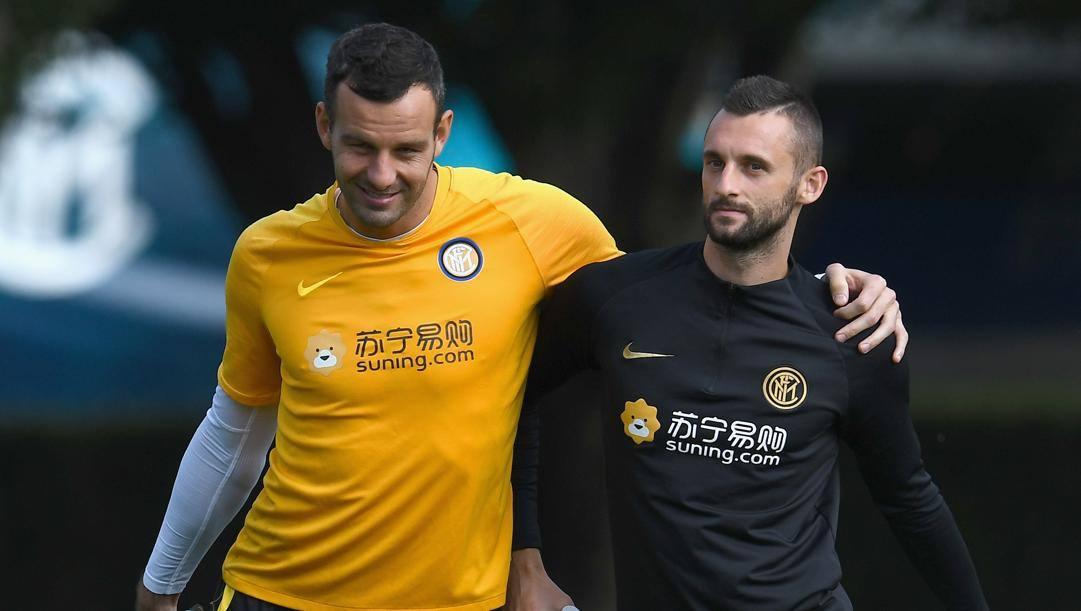 Da sinistra, Samir Handanovic, 35 anni, e Marcelo Brozovic, 27, portiere e centrocampista dell'Inter. Getty