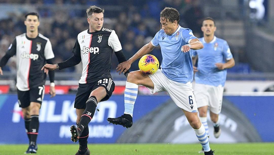 Lucas Leiva in azione contro la Juventus. Lapresse